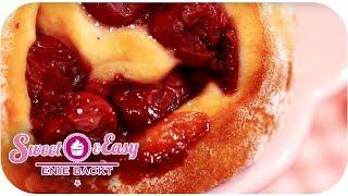 Sauerkirsch-Schnecken | Sweet & Easy - Enie backt | sixx