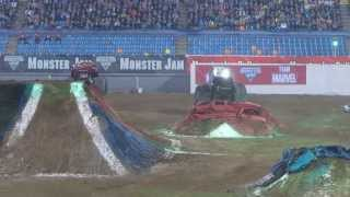 Monsterjam Arnhem 2013 Freestyle Monstertruck Monsterdrink big jump