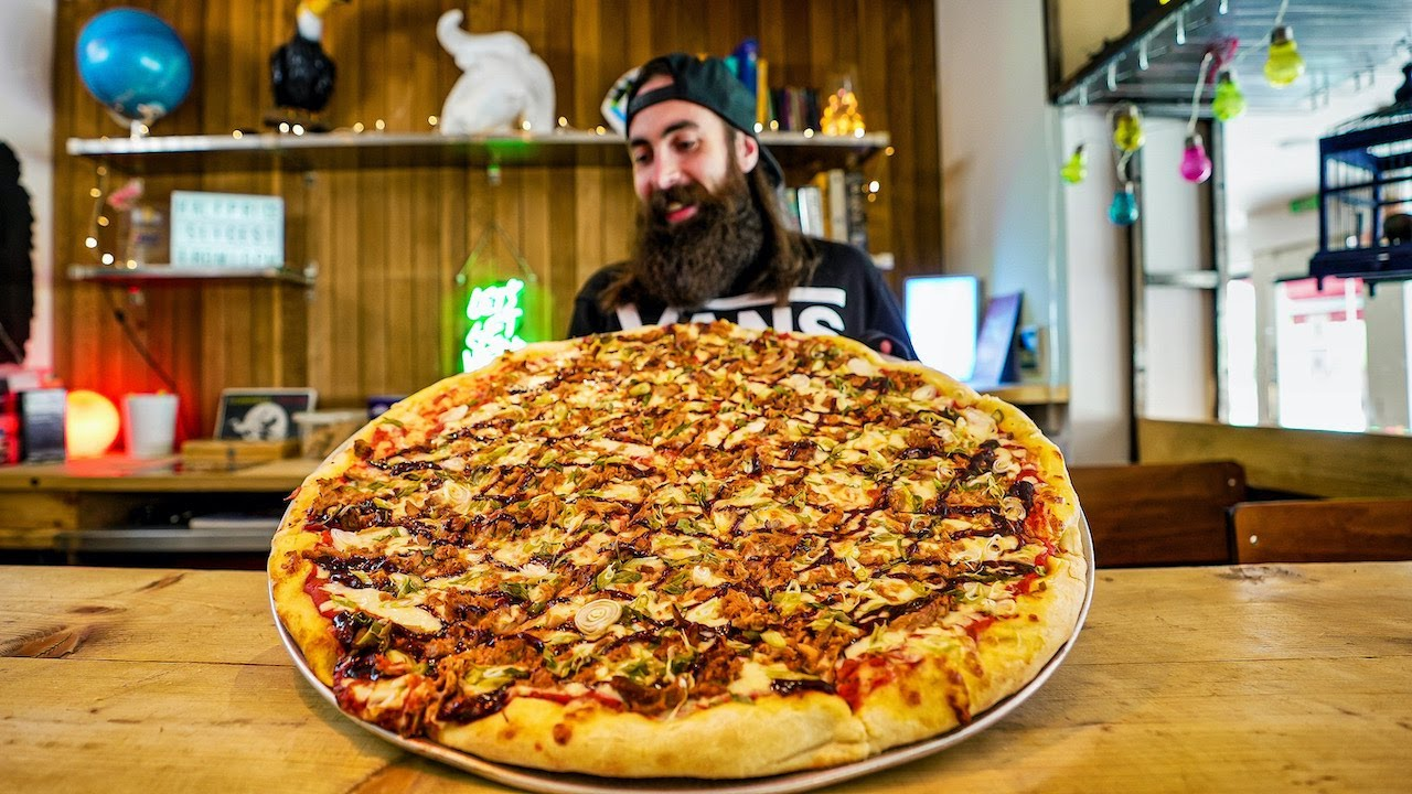 LOUIS GIGANTIC PIZZA CHALLENGE | BeardMeatsFood