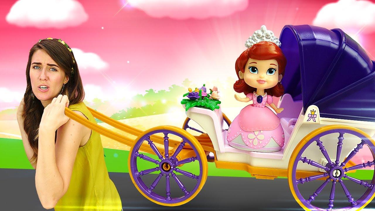 """La princesa Sofía aprende a coser faldas. """"La Guardería Infantil"""". Vídeos de juguetes para niños."""