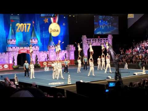 University of Kentucky performs at 2017 UCA Nationals - 1st place routine