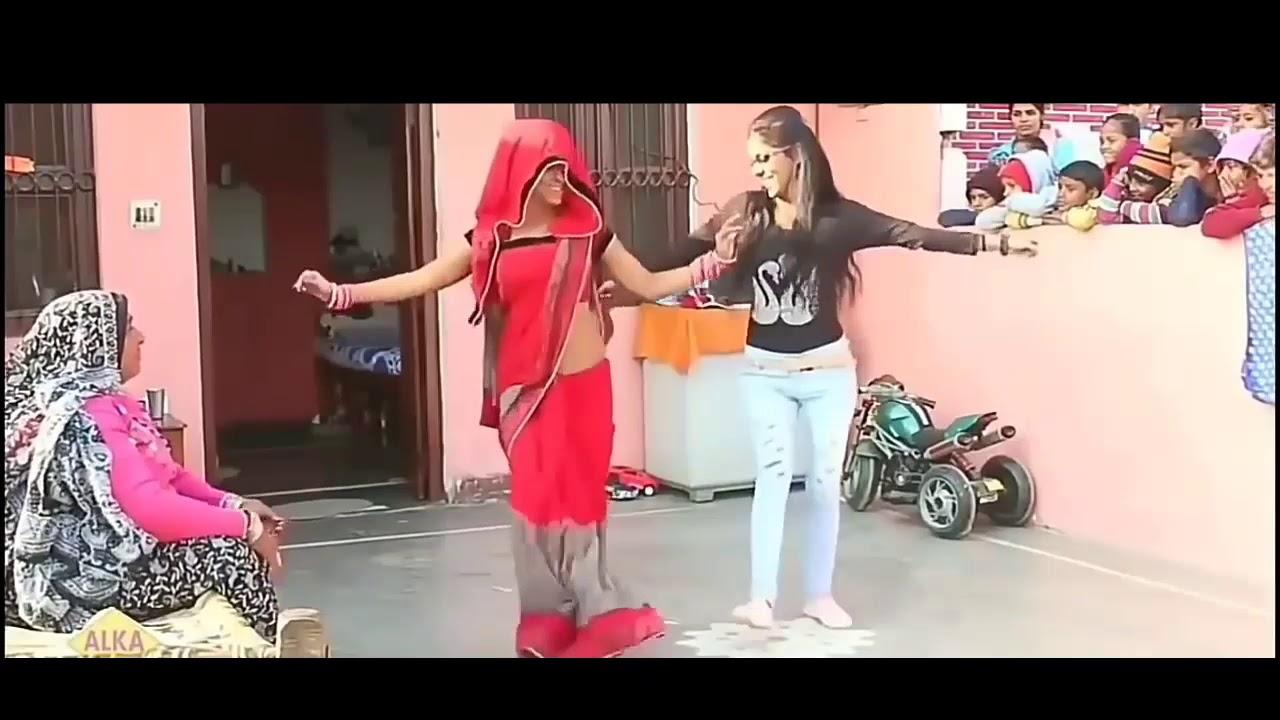Daru badnam song dance || देहात मैं कराया भाभी व ननद के बीच डांस !!एक बार वीडियो जरूर देखे👌