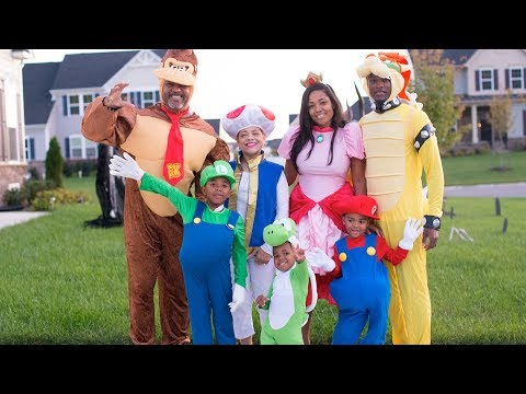 FAMILY HALLOWEEN COSTUM REVEAL - TRUNK OR TREAT SPECIAL!!