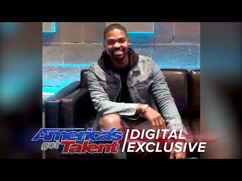 Johnny Manuel: Singer Performs Beautiful Cover of Silent Night - America's Got Talent 2017