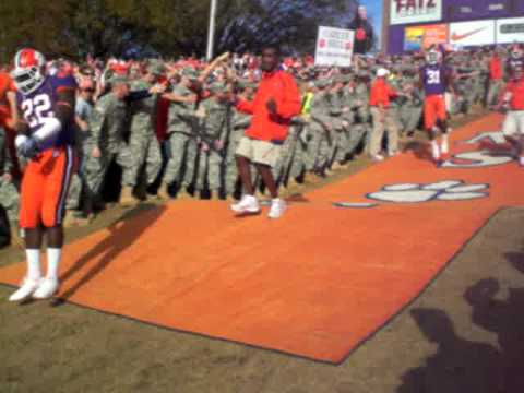 Football Falls In Clemson To No. 2 Tigers