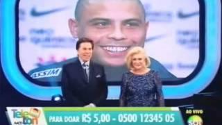 Silvio Santos e Hebe no encerramento do ...