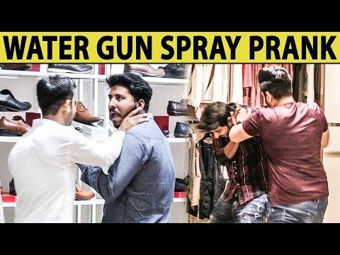 Water Gun Spray Prank on Strangers in Mall - Lahori PrankStar
