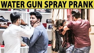 Water Gun Spray Prank on Strangers in Mall - Lahori PrankStar