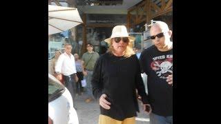 """Passeio de Axl Roses pelas ruas de (Recife) Guns N Roses South America Tour 2014"""""""