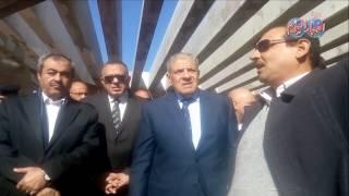 أخبار اليوم | محلب و وزيرالاثار يتفقدان  مشروع تطوير هضبة أهرامات الجيزة