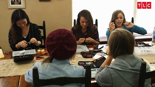 The Duggar Girls Talk About Their First Kisses | Counting On
