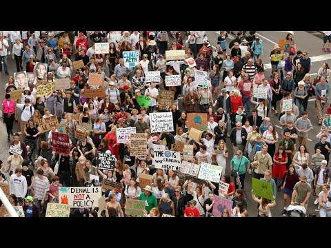 Thousands of Australian students strike for climate action