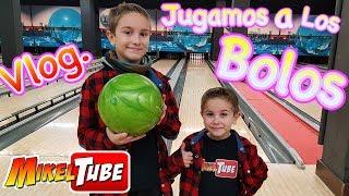 Jugamos una partida a los Bolos Vlog. MikelTube