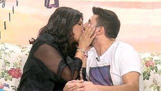Incredibil! Monica Birladeanu il saruta pe Ciuca