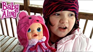 Baby Alive Sips n Cuddles Doll Plays in Snow Makes Snow Bunny Feeding and Changing Video