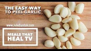 The Easiest Way To Peel Garlic!
