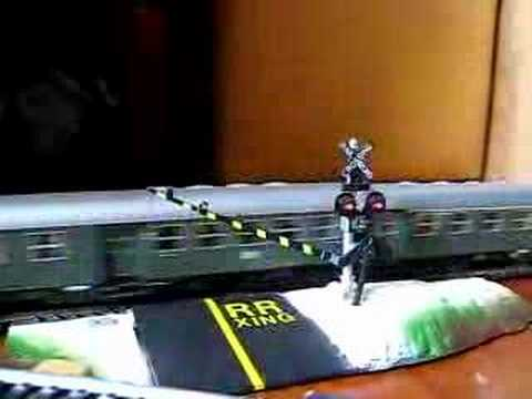 Model Train HO scale – Life Like Roadroad X ing