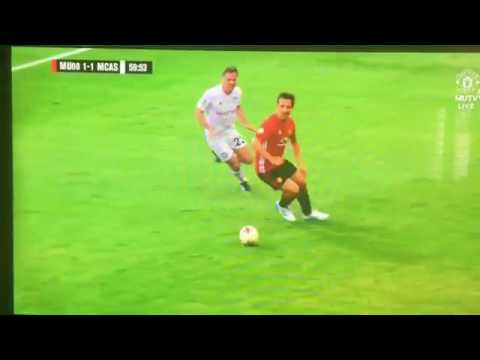 Jamie Carragher's shocking tackle on Gary Neville (NSFW)
