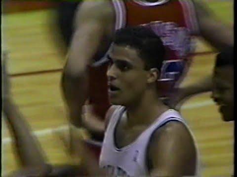 Rookie Rick Fox Posterizes Pervis Ellison (1991)