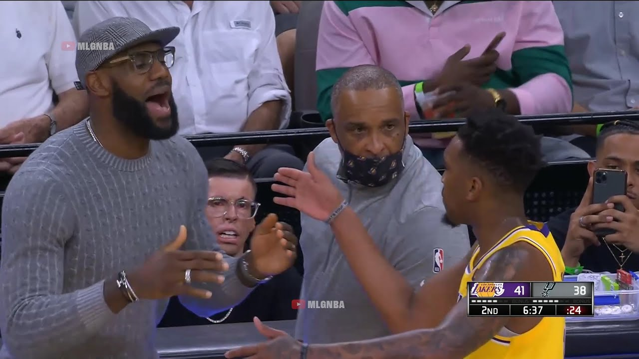 Download LeBron James coaching the Lakers from the sidelines | Spurs vs Lakers