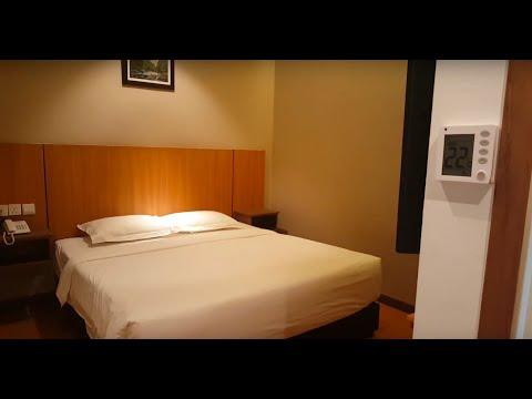 AHYU Hotel: Tour Inside Standard Double Room In Kuala Lumpur, Malaysia