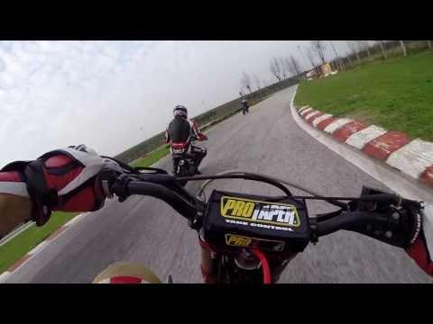 Prima volta in pista - bucci f4 vs crf 150 - Casaluce pitbike onboard