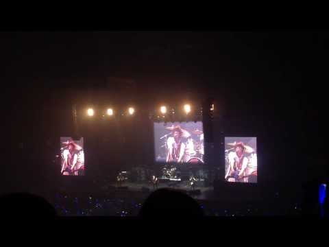 [FANCAM] Intro To Intuition: Yonghwa The # 1 Dancer At Smart Araneta
