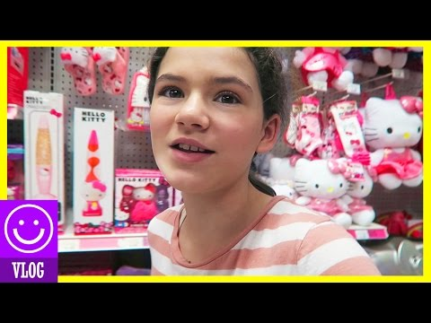 GOOFING OFF IN TOYS R US!  |  KITTIESMAMA