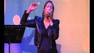 Isabelle Valdez-Toque de tu Gloria
