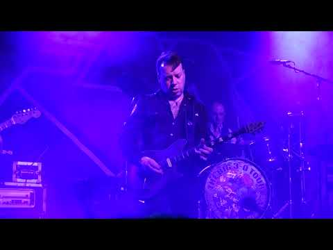 FM - Does It Feel Like Love (Live In Glasgow 2019)