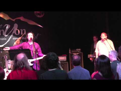 """""""Living on a Thin Line"""" Dave Davies with Paul Koretz"""