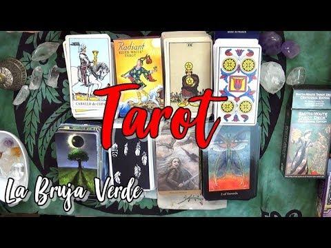 usar-un-tarot-tradicional-con-simbología-vs-usar-un-tarot-artístico
