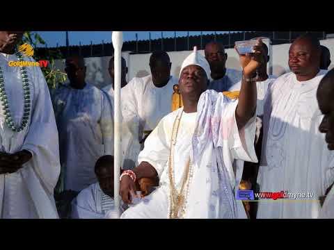 OONI OF IFE THROWS BLESSINGS YEYE MOLU'S FESTIVAL