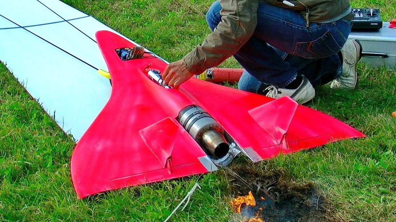 Check out This Video of the World's Fastest RC Jet Going 450 MPH