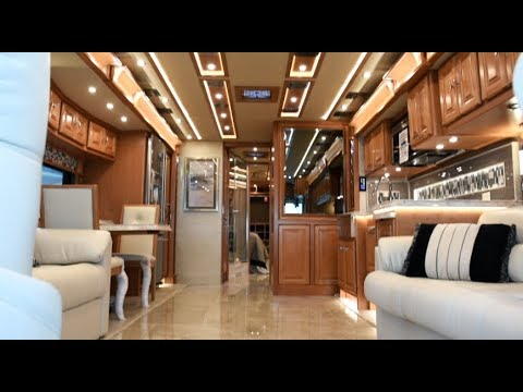 Tiffin Motorhomes: 2018 Tiffin Motorhomes ALLEGRO BUS 45MP
