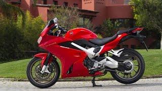 2015 Honda VFR 800F Review - Motorcycle Racing