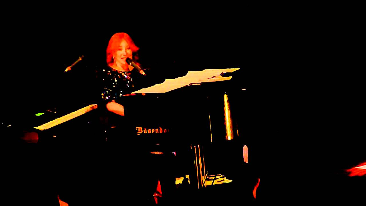 """TORI AMOS """" SPRING HAZE """" HD LIVE FROM THE CHICAGO THEATRE 12/10/11 2011 TOUR"""
