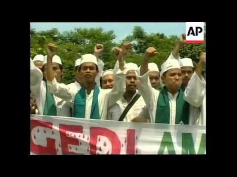 INDONESIA: ACEH: MASS GRAVE DISCOVERY