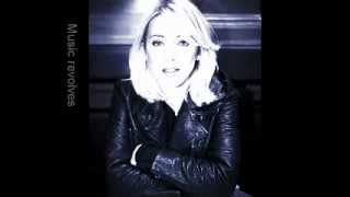 Veronica Maggio - Jag Kommer (English Translation/ Lyrics)