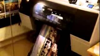Plotter Epson Stylus Pro 7890 imprimiendo