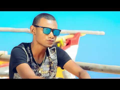Romeo feat Mc Kero bey bey (Clip Gasy septembre 2016)