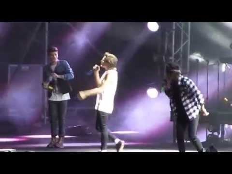 Little Black Dress - One Direction Lima Peru