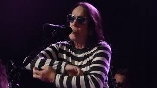 Todd Rundgren - Muskrat Love (Captain & Tennille)