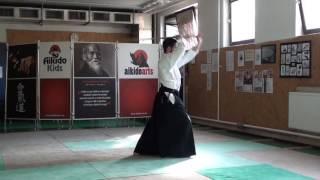 zengo no ido shomen uchikomi [TUTORIAL] Aikido advanced weapon technique