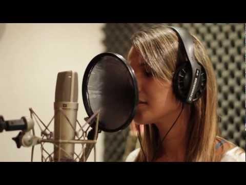 Vitoria Barros - Cover da música Deus Me Ama