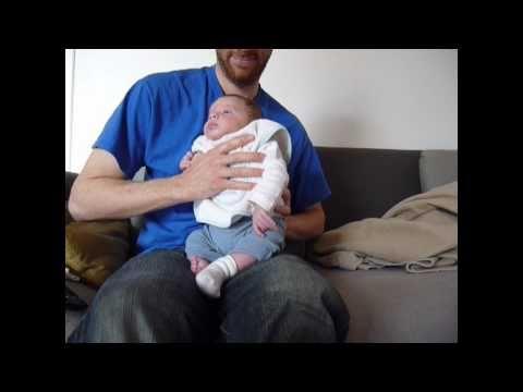 Comment faire roter bébé ?