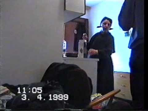 Kristijan u posjeti kod bake za Uskrs 1999 godine.