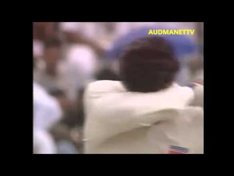 Curtly Ambrose hit Waqar Younis on his FACE, no fast bowling