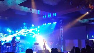 Moh Moh Ke Dhaage song   Monali Thakur   Dhaka  31 March 2016