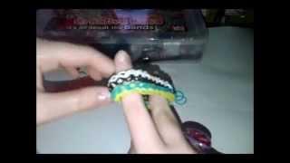 ВидеоУрок№2!Как плести браслет из резинок плетение Дождик! На вилках))